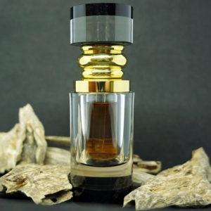 Botellita con aceite puro de Oud cultivado