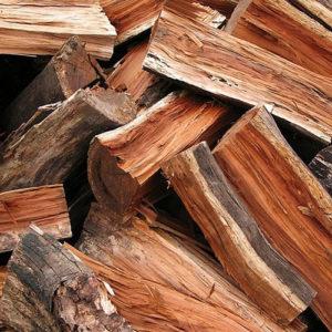Troncos de madera y leña